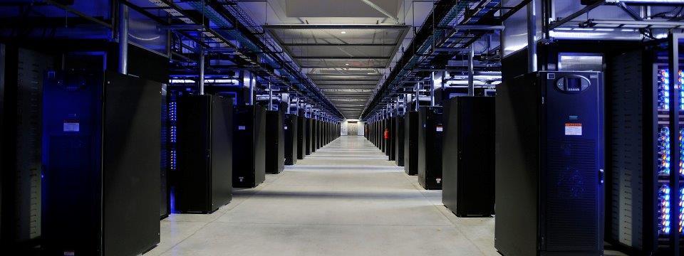 nc-facebook-data-center-datahall (1)